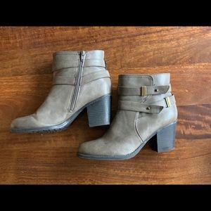 Naturalizer N5 Comfort Women's Leather Booties